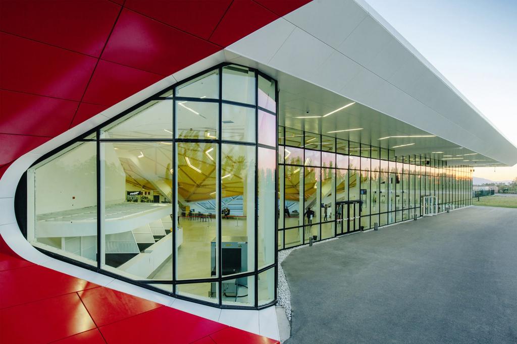 ქუთაისის აეროპროტიდან ჰოლანდიაში რეგულარული ავიამიმოსვლის განხორციელება დაიწყო